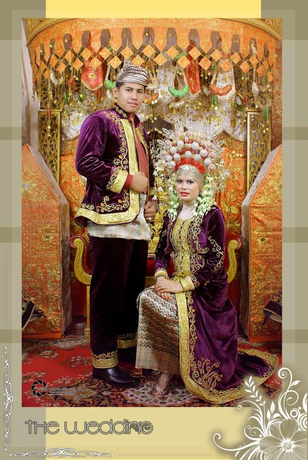 Traditional Wedding Pose
